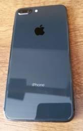 Título do anúncio: IPhone 8 plus 64 gb sem detalhes.