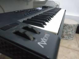 Título do anúncio: Controlador M- Áudio Axiom  2 G - 61 teclas