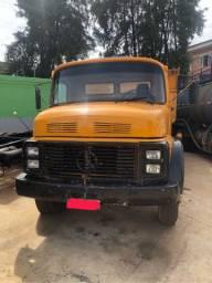 Caminhão 2213 Mercedes-Benz truck caçamba 6x2