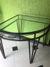 Mesa aparador de ferro com tampo de vidro