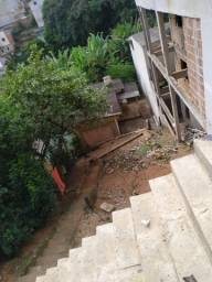 Vende-se uma casa em Teofilo Otoni, proximo ao centro