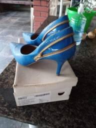 Título do anúncio: Sapato azul  número 37
