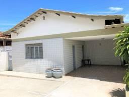 Casa para alugar, Setor Aeroporto com 04 quartos
