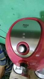 Vendo fritadeira elétrica marca Pilcho pega perfeitamente em bom Estado de uso