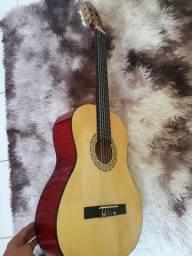 Vendo esse violão usado poucas vezes