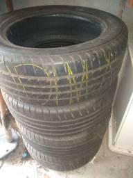 Jogo de pneus aro 18 Goodyear