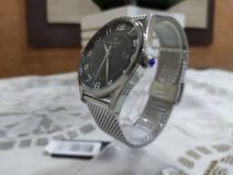 Relógio Champion Elegance Fundo Preto.