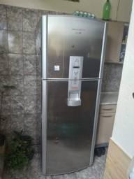 Refrigerador Frost Free Inox Brastemp Club