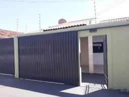 Aluga-se casa no Conjunto São José I