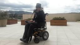 Cuidadora de tetraplégico, apenas mulheres, 18-40 anos