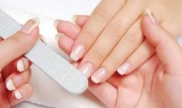 Contrata-se manicure com experiência