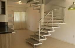 DIM201-Glória-Sobrado com Excelente Padrão de Acabamento, Suíte c/Closet+2 Dormitórios