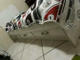 Cama de solteiro com gavetas