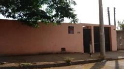 Casa em terreno de 330m², à 100m da Av da Saudade em Cosmópolis-SP (CA0138)