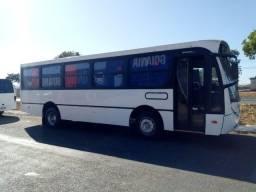 Ônibus curto Mercedes