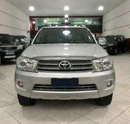 Toyota Hilux Sw4 7 lugares Gasolina sr 4x2 4P - 2009