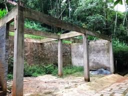 Terreno em condomínio com estrutura pronta