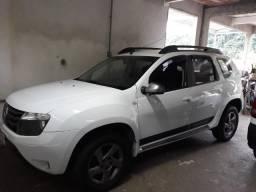 Carro Duster branca R$ 45.000,00 único dono - 2015