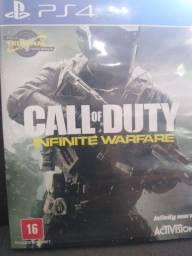 Vendo dois jogos FIFA 17 e call of duty infinito warfare