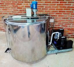 Reservatório de Leite Maturação Calda Circular 400 Litros