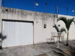 Casa Plana no melhor do Eusébio próximo ao estacionamento do Forró no Sitio