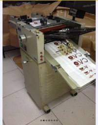 Máquina dobradeira J-Mac