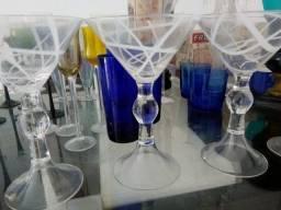 Taças em cristal e vidro com design arrojado e Marcas  famosas