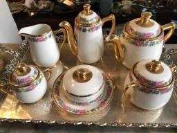 Antiguidades - Porcelanas Europeias, Orientais e Nacionais