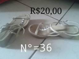 Vendo sandália prata  n°36 me chamar no inbox