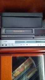 Aparelho de DVD e vídeo cassete usados