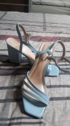 Sandália formal azul pastel