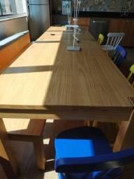 Mesa de Cozinha em madeira maciça