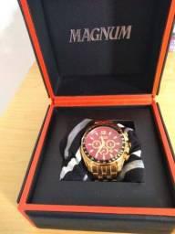 Vendo um relógio magnum original