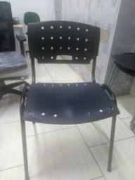Cadeira fixa 04 pés preta estrutura em aço Novas iso acento e encosto polipropileno