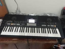 Telhado Yamaha psr s 550
