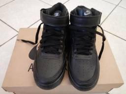 Botinha Nike Air force numero 35