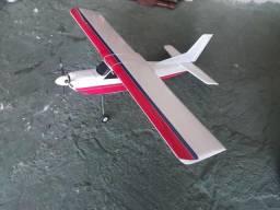 Aeromodelo robusto urgente