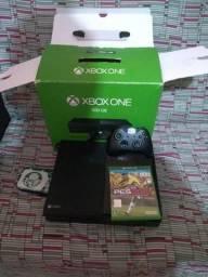 Xbox one fosco 500gb com caixa completo
