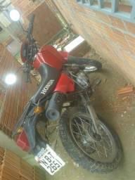Vendo ou troco essa moto por uma menor - 2000