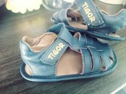3 sapatinhos Tigor Baby