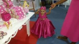 Alugo vestido realeza obs: usado uma única vez