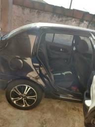 Renault Clio sedan 2006 1.6 16v privillege para retirada de peças ou arrumar o carro - 2006