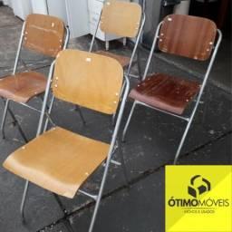 Cadeira abre e fecha de madeira e ferro de 99,00 por 59,99
