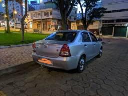 Vendo Etios sedan 1.5 flex - 2013
