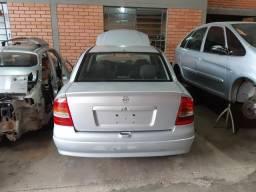 Título do anúncio: Vigia traseiro Astra sedan