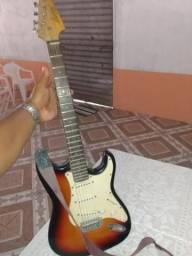 Vendo uma guitarra Memphis ou troco por celular