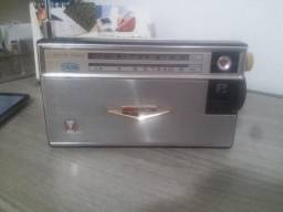 Radio antigo Mitsubishi mod: bx-584