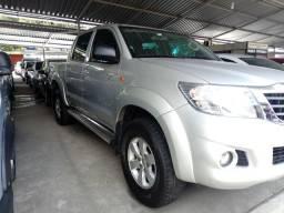Hilux 2.7 2014 aut 54mil km vendo troco financio - 2014
