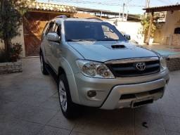 Hilux SW4 SRV - Automatica Diesel 4x4 2006