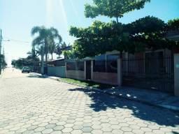 Casa em Ubatuba Temporada - Ótima Localização - 200 mts da praia - São Francisco do Sul